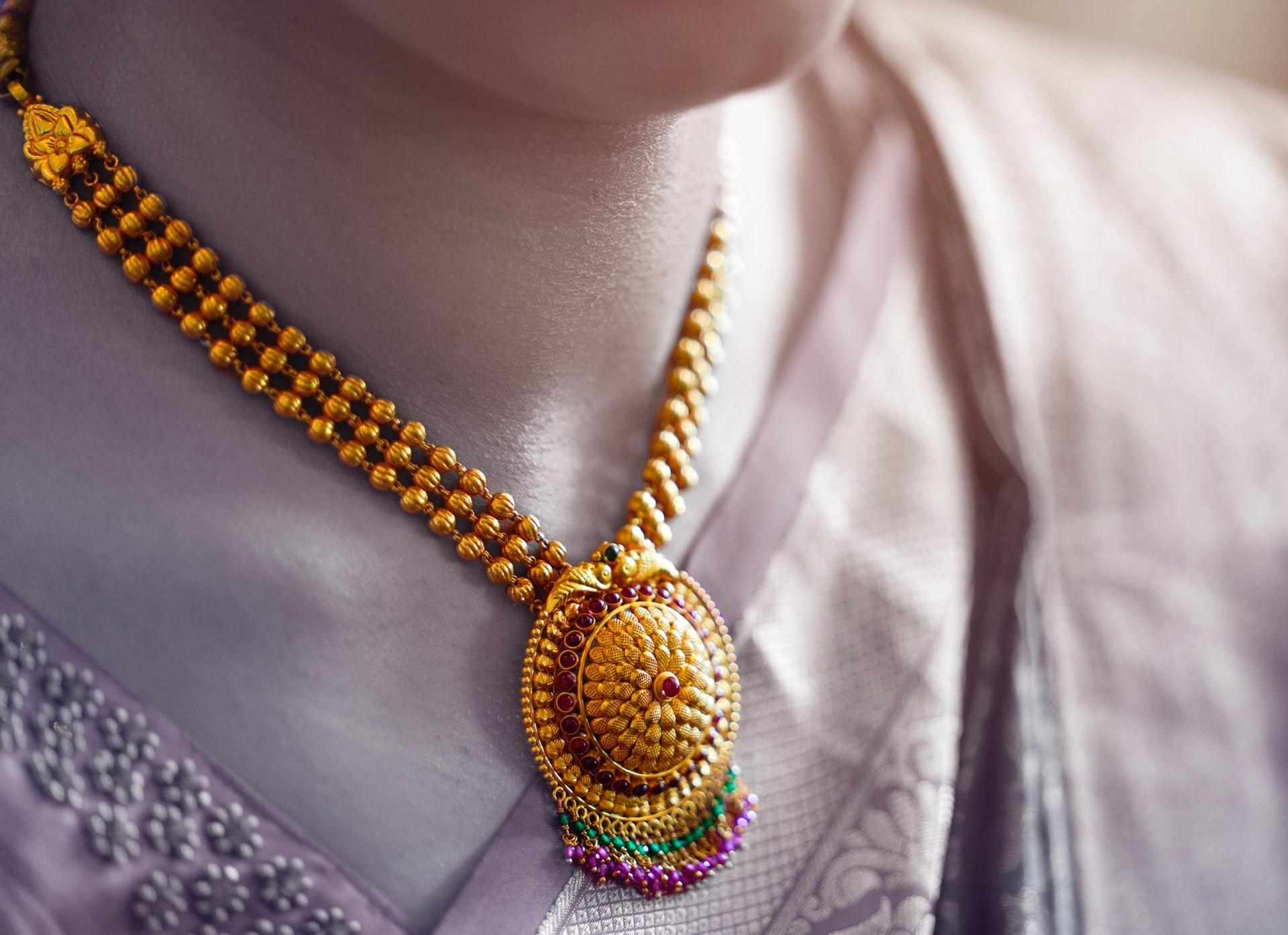 marca del oro en joyas